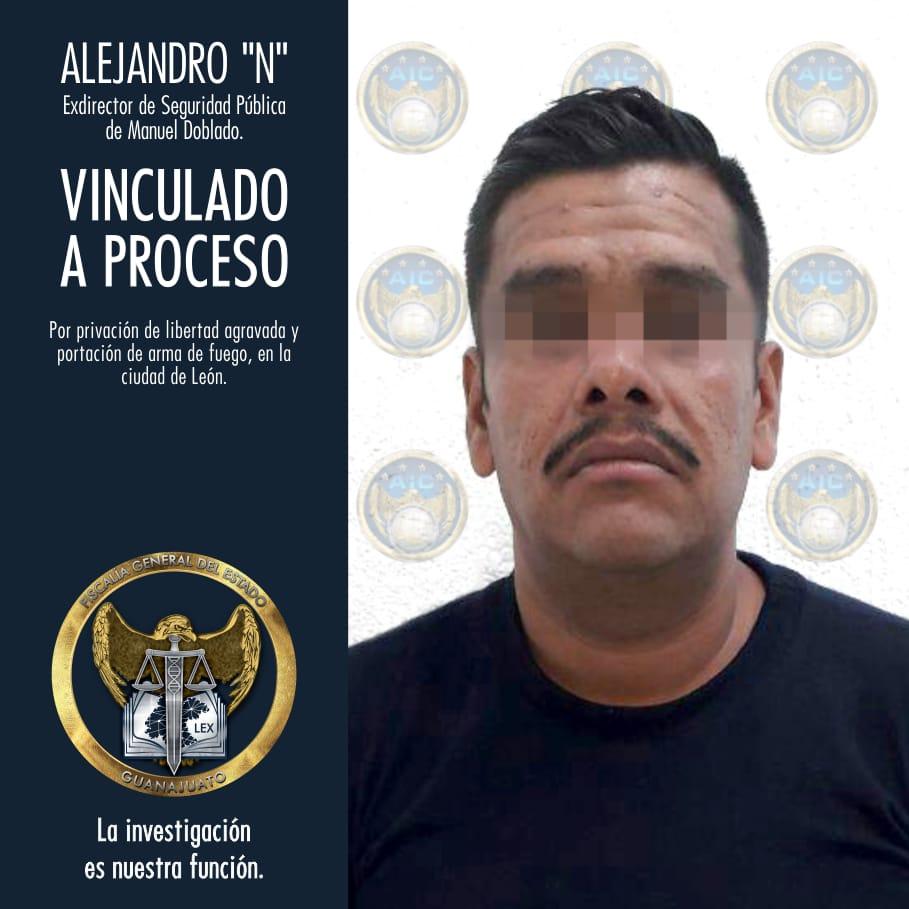 EXDIRECTOR DE SEGURIDAD PÚBLICA DE MANUEL DOBLADO, VINCULADO A PROCESO POR PRIVACIÓN DE LA LIBERTAD EN AGRAVIO DE DOS MUJERES. 4