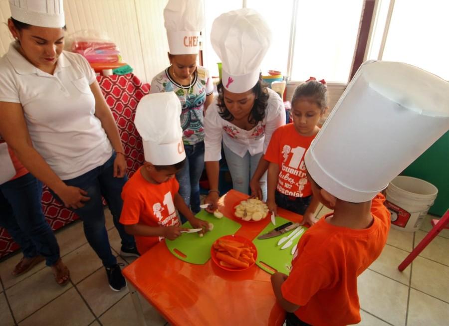 PRESENTAN LOGROS EDUCATIVOS A PADRES DE FAMILIA. 2