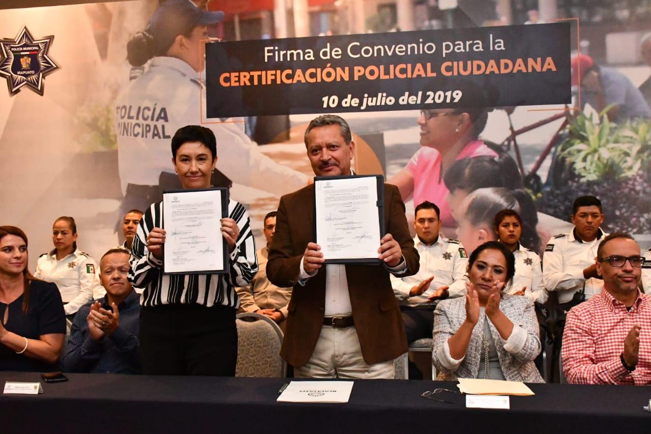FIRMAN CONVENIO PARA CERTIFICACIÓN POLICIAL 2