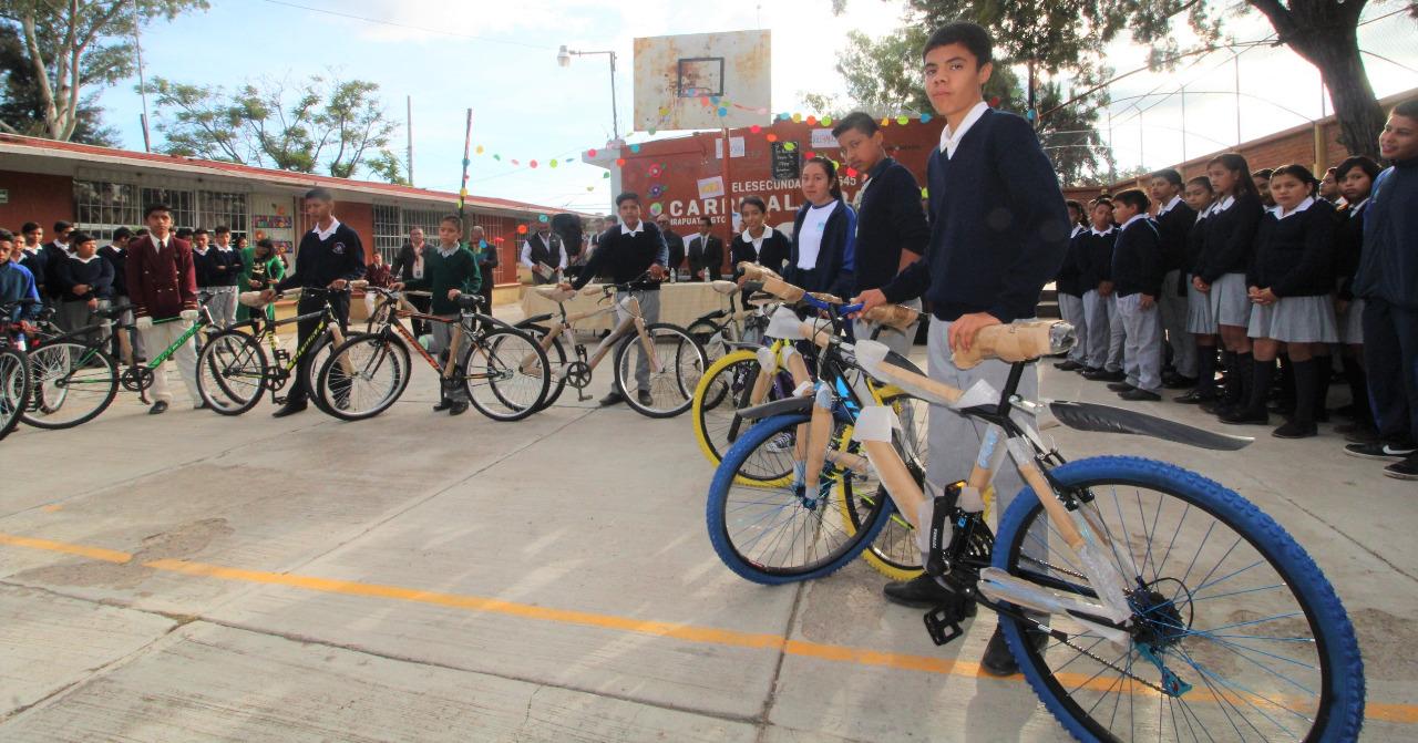 """SEG Entrega bicicletas a alumnos con el Programa """"Si…. Me Quedo"""" 2"""