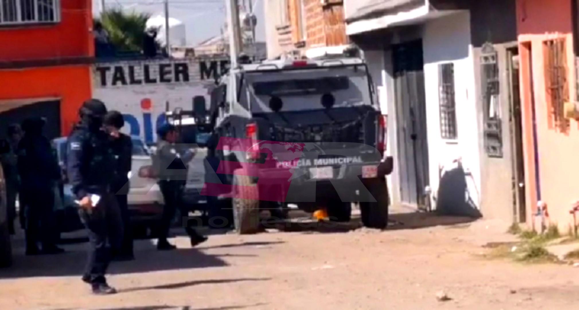 HIEREN A POLICÍA EN BALACERA EN LA COLONIA SAN ISIDRO 2