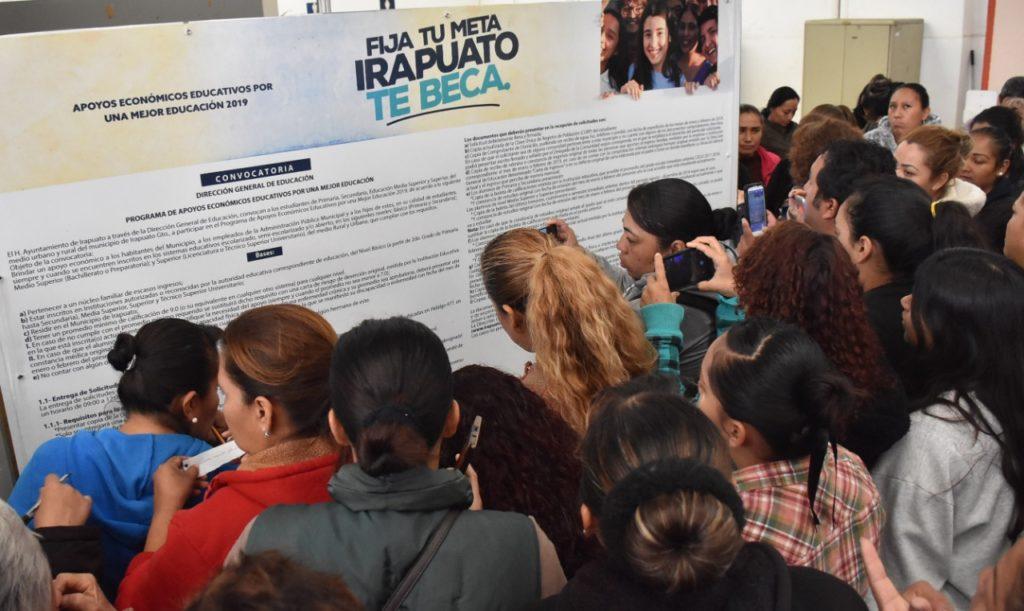 APLAZARÁN PUBLICACIÓN  DE RESULTADOS DE BECAS 2020 7