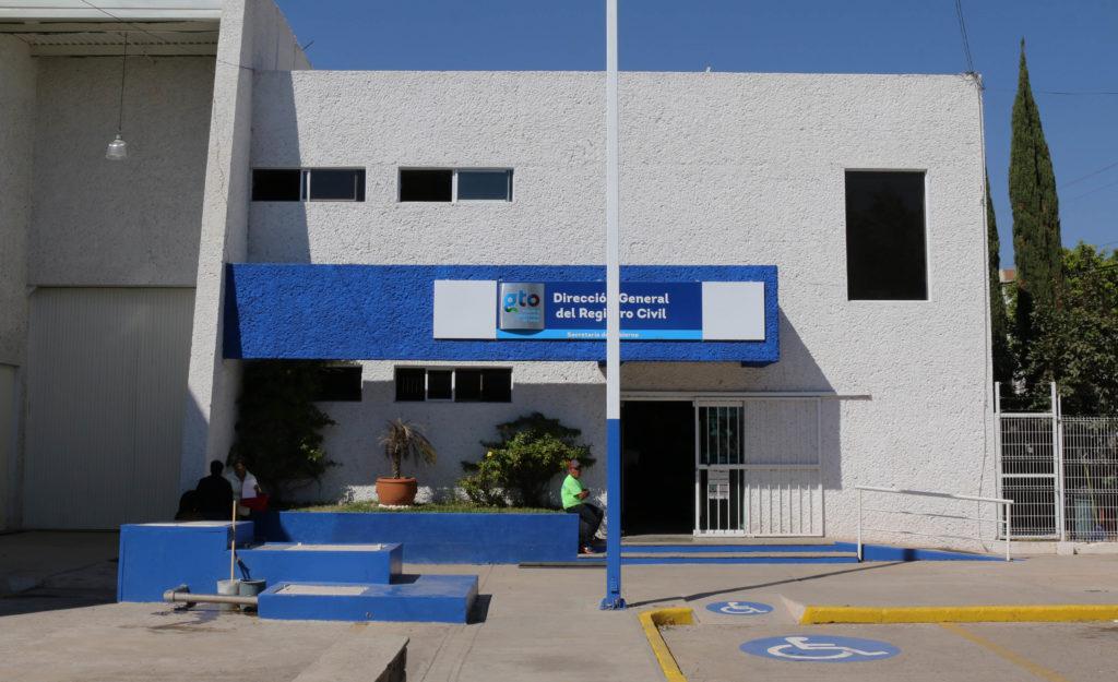 Desde este miércoles Registro Civil trabajará a puerta cerrada debido a la contingencia sanitaria. 8
