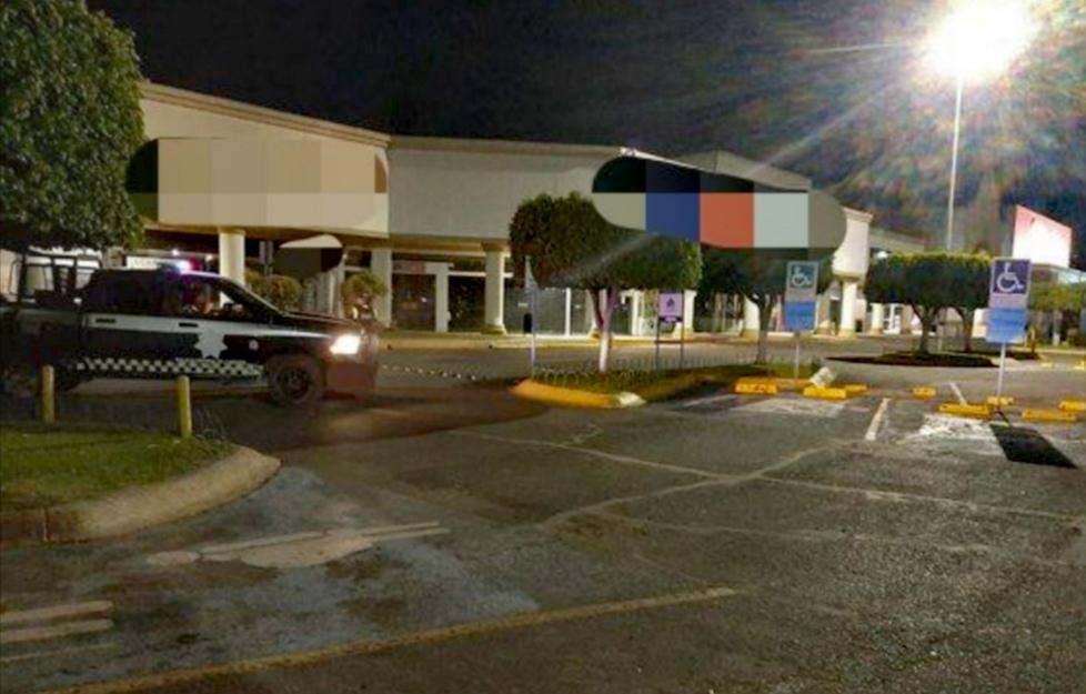 Refuerzan las FSPE labores de seguridad en calles y tiendas departamentales en Irapuato. 1
