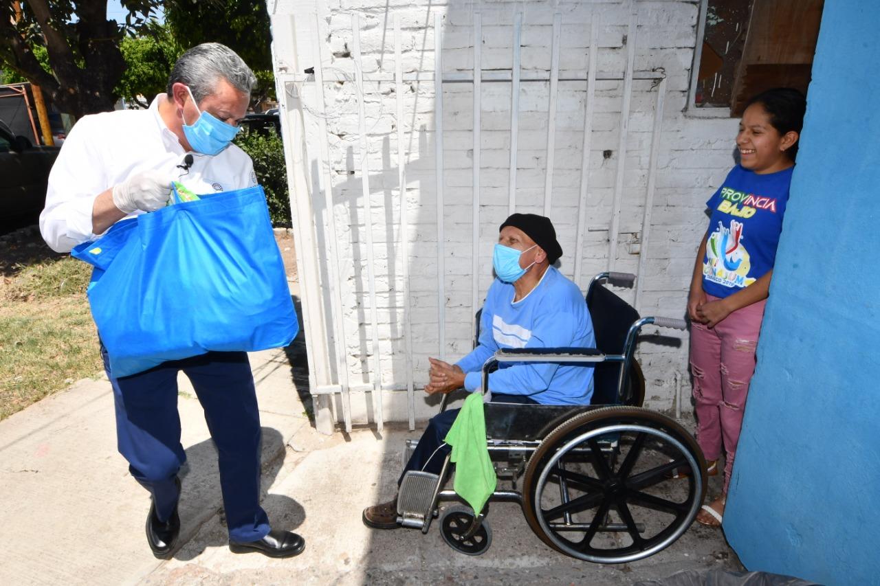 ADULTOS MAYORES RECIBEN APOYO A DOMICILIO PARA PROTEGERLOS DE CORONAVIRUS 2