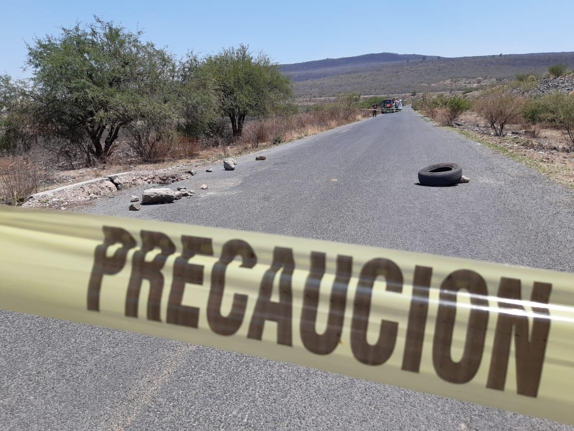 APARICIÓN DE SOCAVÓN REQUIERE CIERRE DE CARRETERA ESTATAL AL CONEJO 3