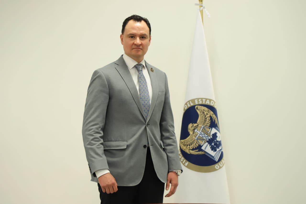 Israel Aguado Silva,es designado titular en la Fiscalía Regional B con sede en Irapuato. 2