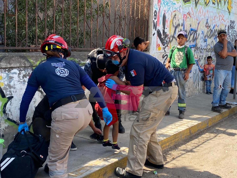 Atropella motociclista a menor de 5 años. 1