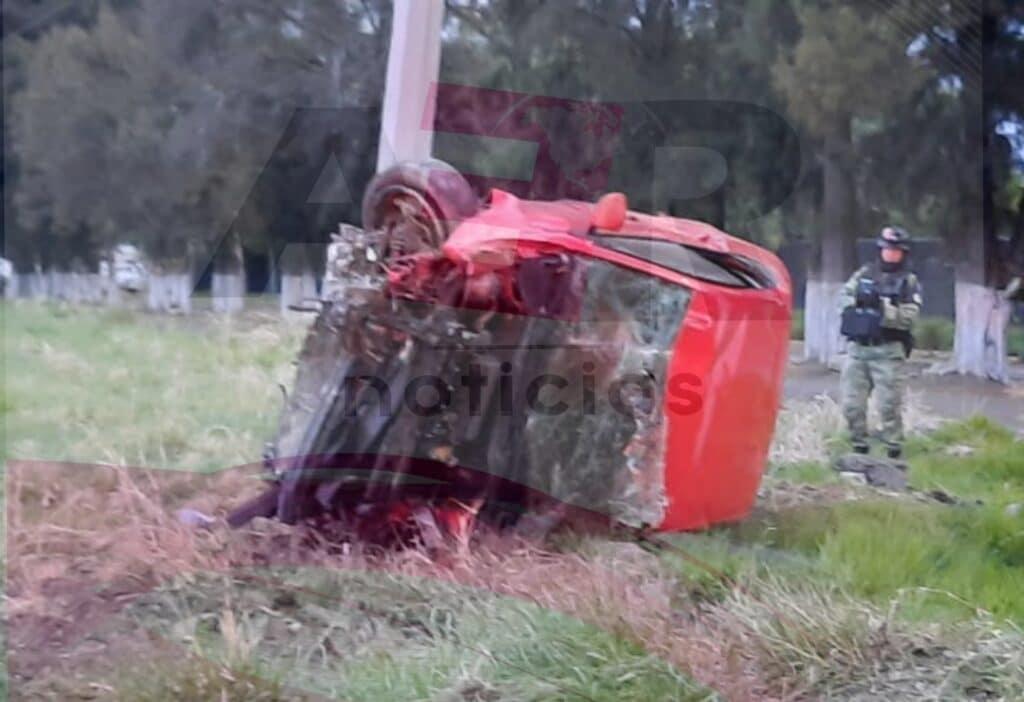 Muere hombre tras volcar en el Libramiento Norte 2