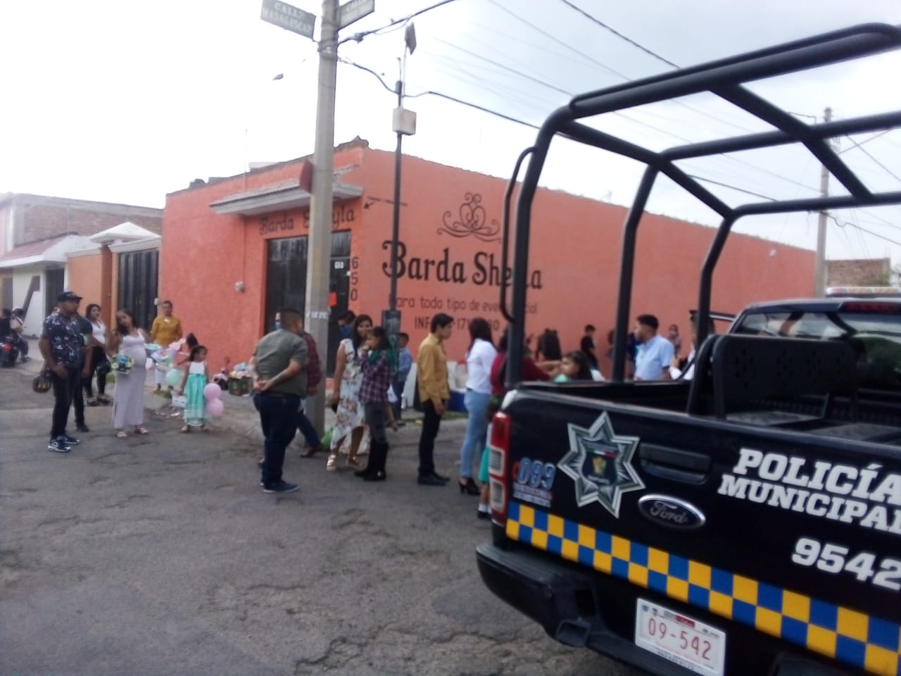 CLAUSURAN BARDAS DE FIESTA EN MEDIO DE CONTINGENCIA SANITARIA 1