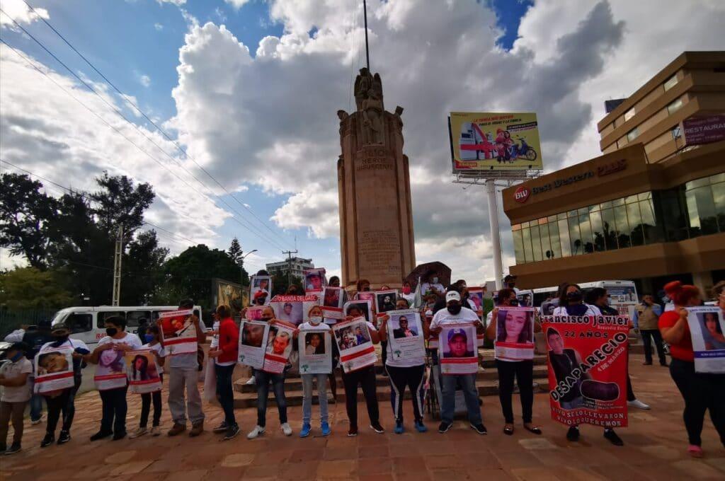 Marchan y exigen justicia para Dulce Guadalupe, para víctimas de feminicidio y desaparición. 8