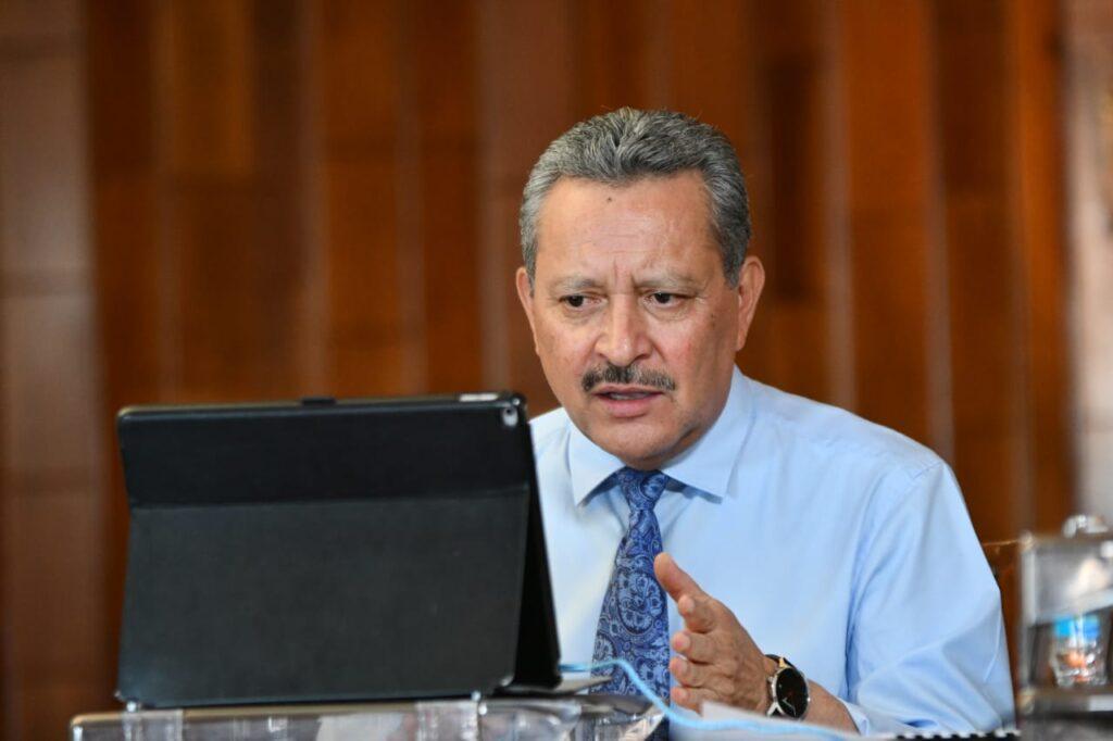 Reitera el alcalde Ricardo Ortiz a AMLO, propuesta para construir nueva clínica del IMSS 7