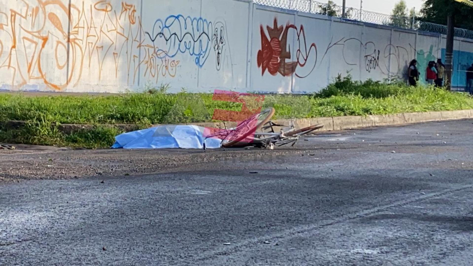 Muere ciclista tras ser impactado por otro vehículo en avenida de Los Insurgentes 1