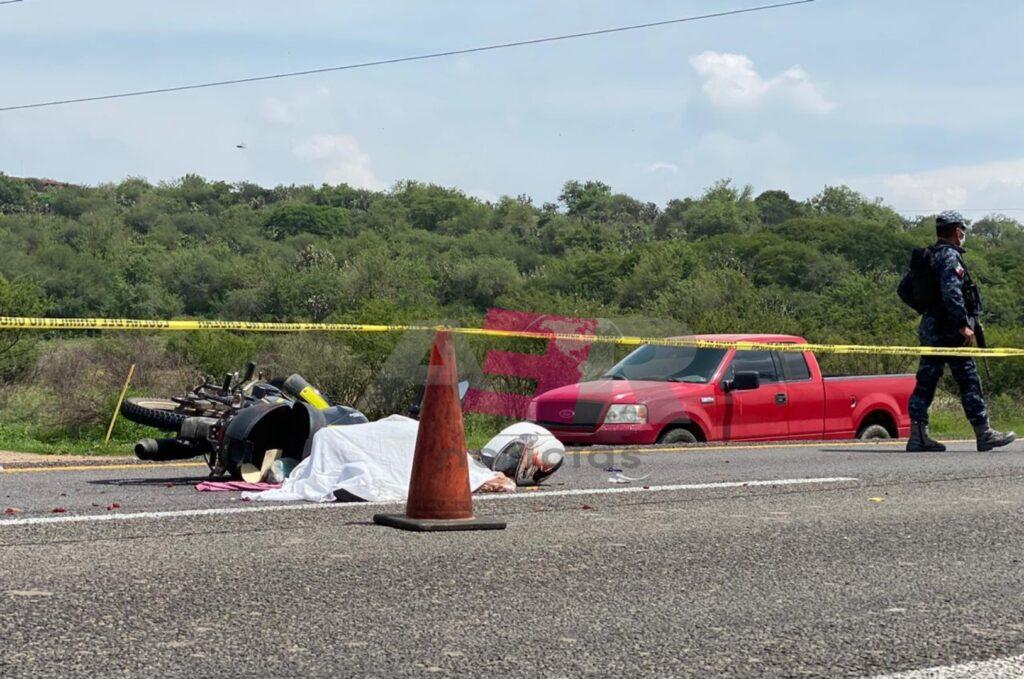 Una mujer muerta y un hombre lesionado deja accidente en la Irapuato-Abasolo 7