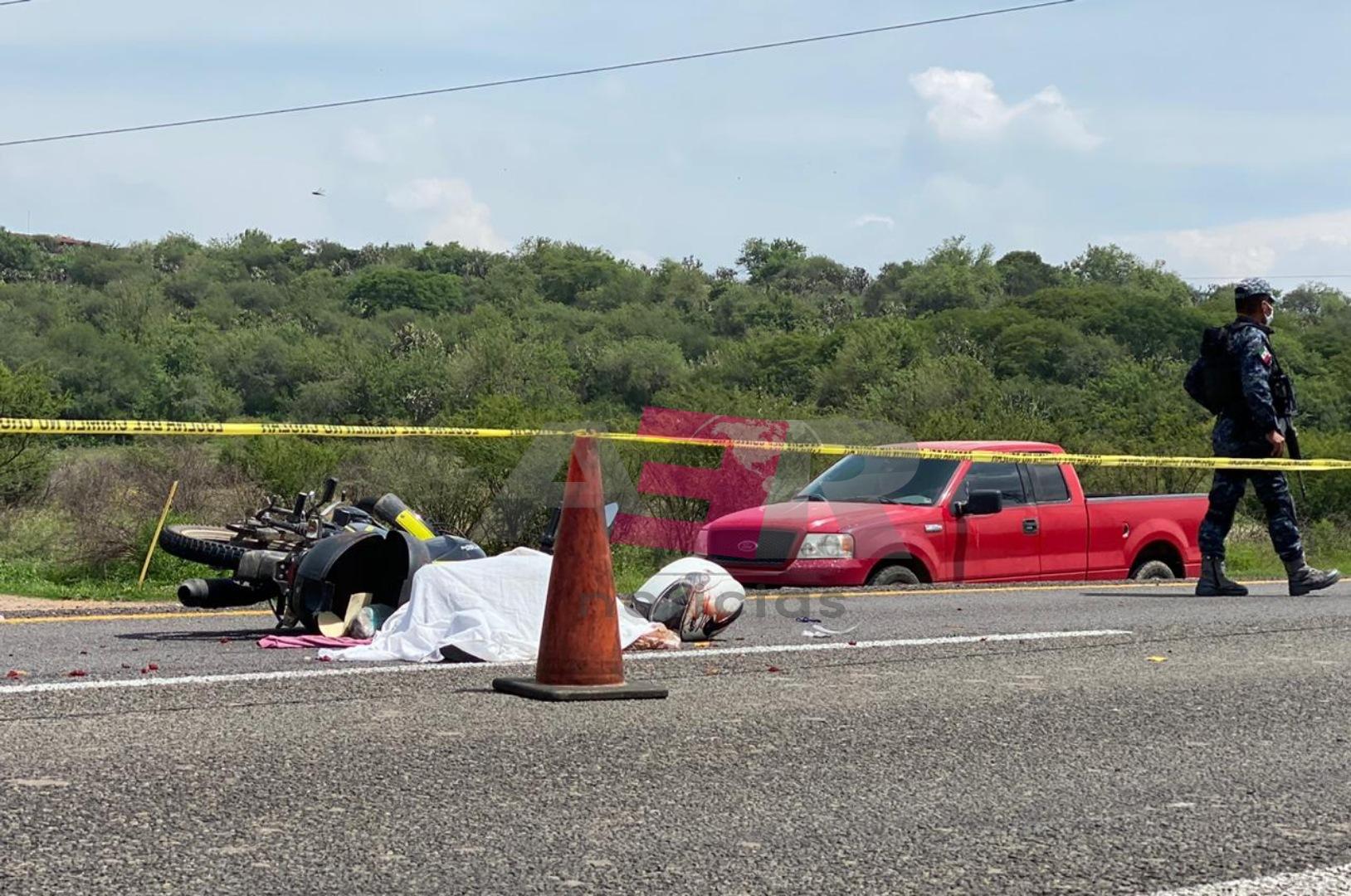 Una mujer muerta y un hombre lesionado deja accidente en la Irapuato-Abasolo 2