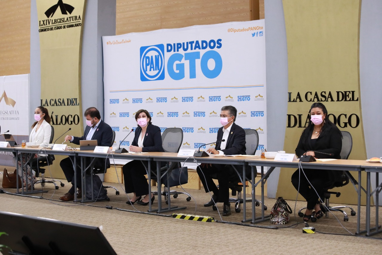 Trabajan diputados del PAN con decisión y generosidad hacia mejores leyes: diputado Jesús Oviedo 1