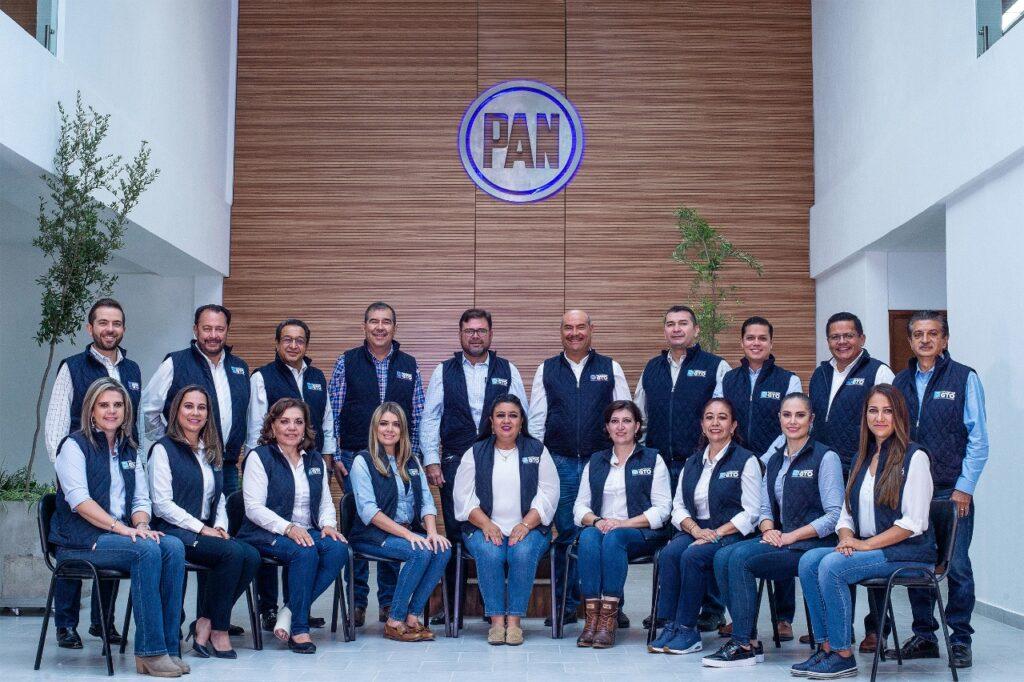 Presentan Diputados locales del PAN Segundo Informe de Actividades Legislativas 7