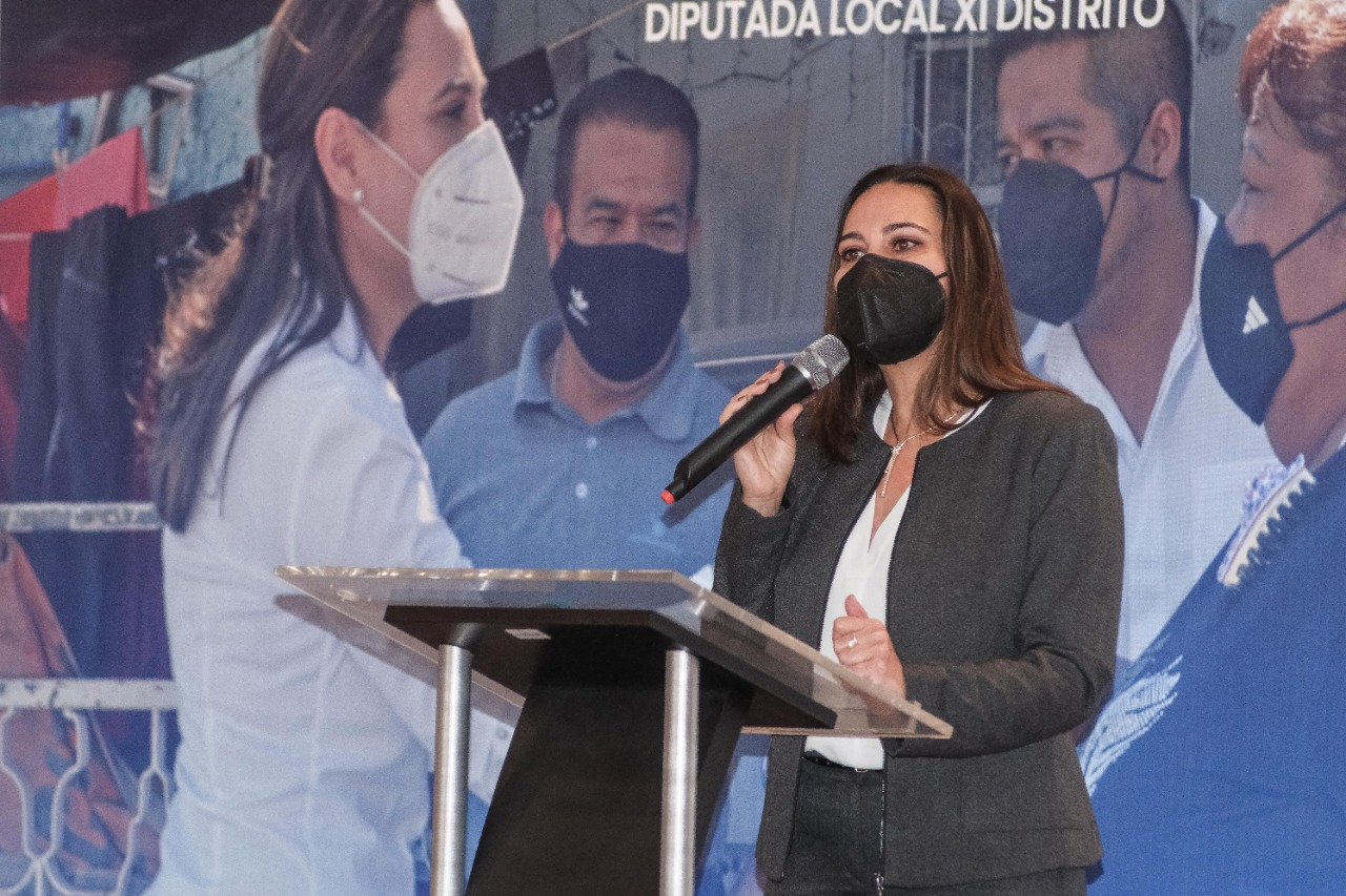 ANUNCIA DE MANERA OFICIAL SU LICENCIA LORENA ALFARO. 5