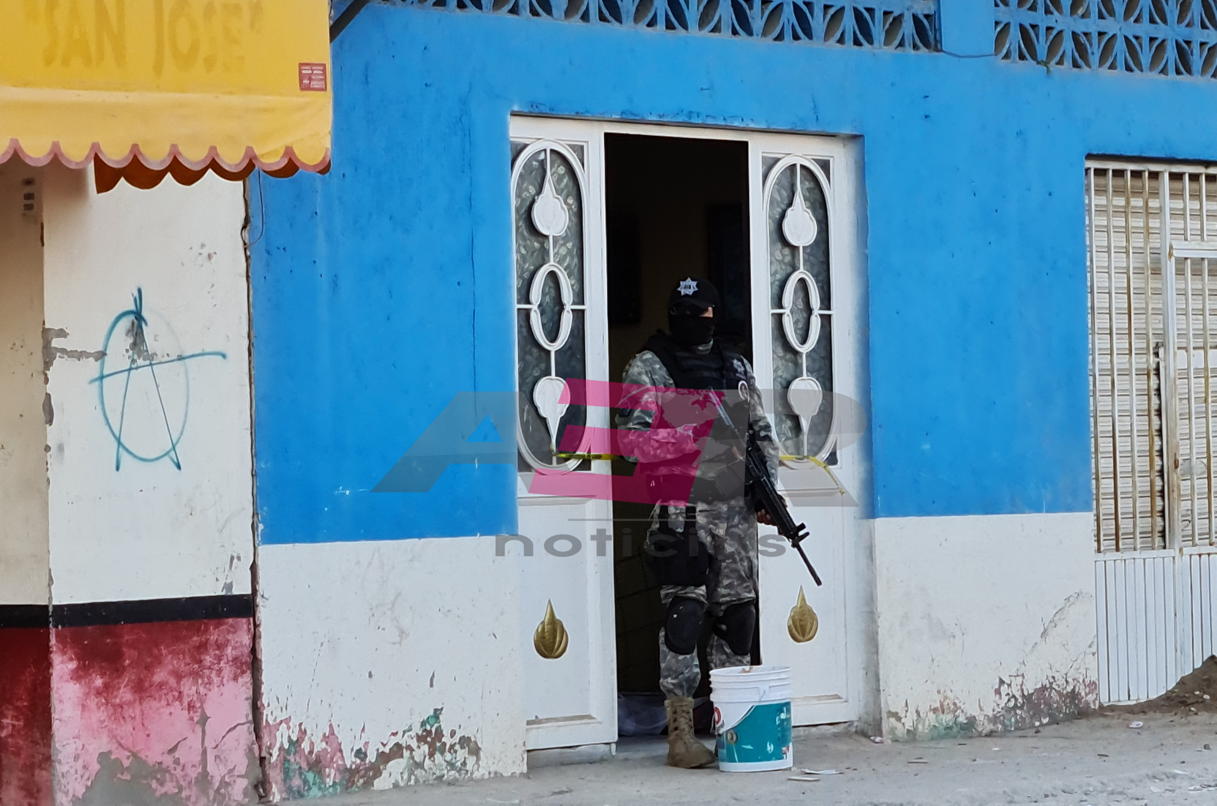 Ejecutan a hombre a la puerta de su casa en la col. Constitución de Apatzingán 1