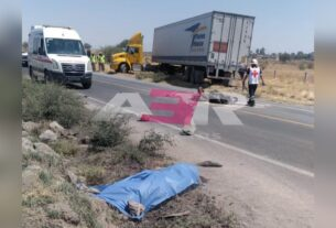 Mueren jóvenes a bordo de moto tras ser embestidas por tráiler 2