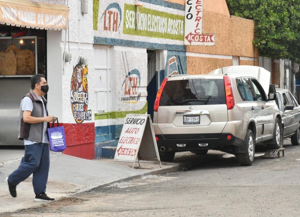 HACEN LLAMADO A NO COLOCAR BIENES MOSTRENCOS EN VIALIDADES Y BANQUETA 1