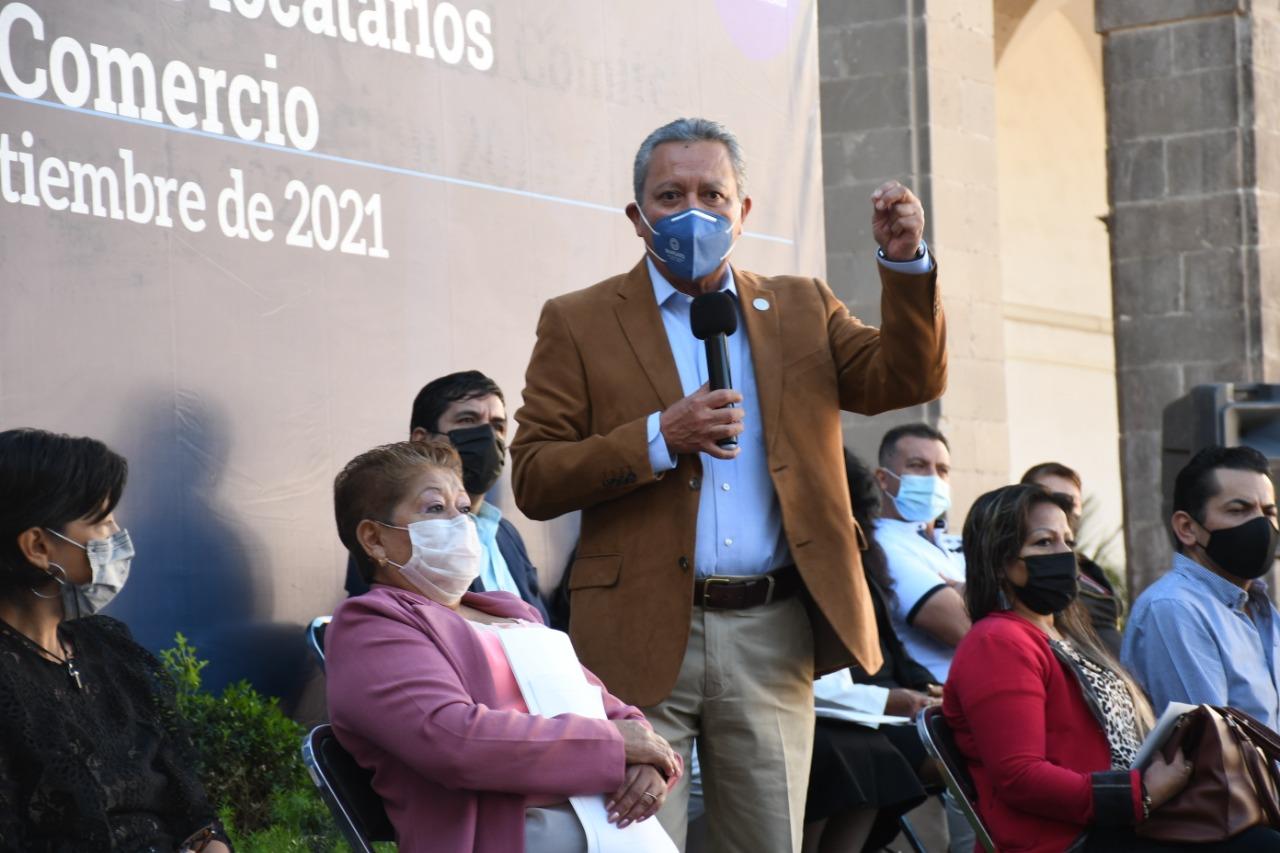 ENTREGAN ESCRITURAS A LOCATARIOS DE PLAZA DEL COMERCIO POPULAR  1
