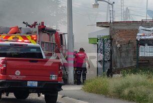 Flamazo origina incendio, deja tres intoxicados y daños materiales en vivienda 4