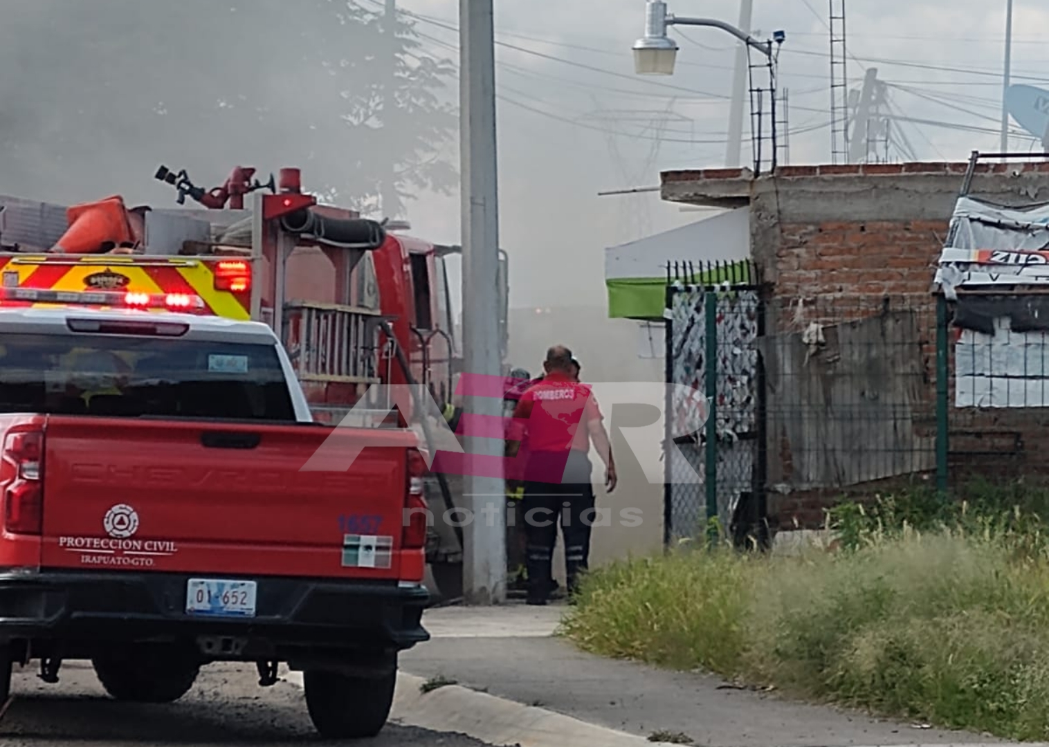 Flamazo origina incendio, deja tres intoxicados y daños materiales en vivienda 7